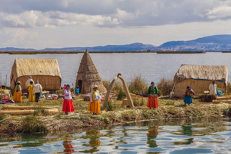 Floating-Islands-on-Lake-Titicaca-Peru_ritebook.in-008